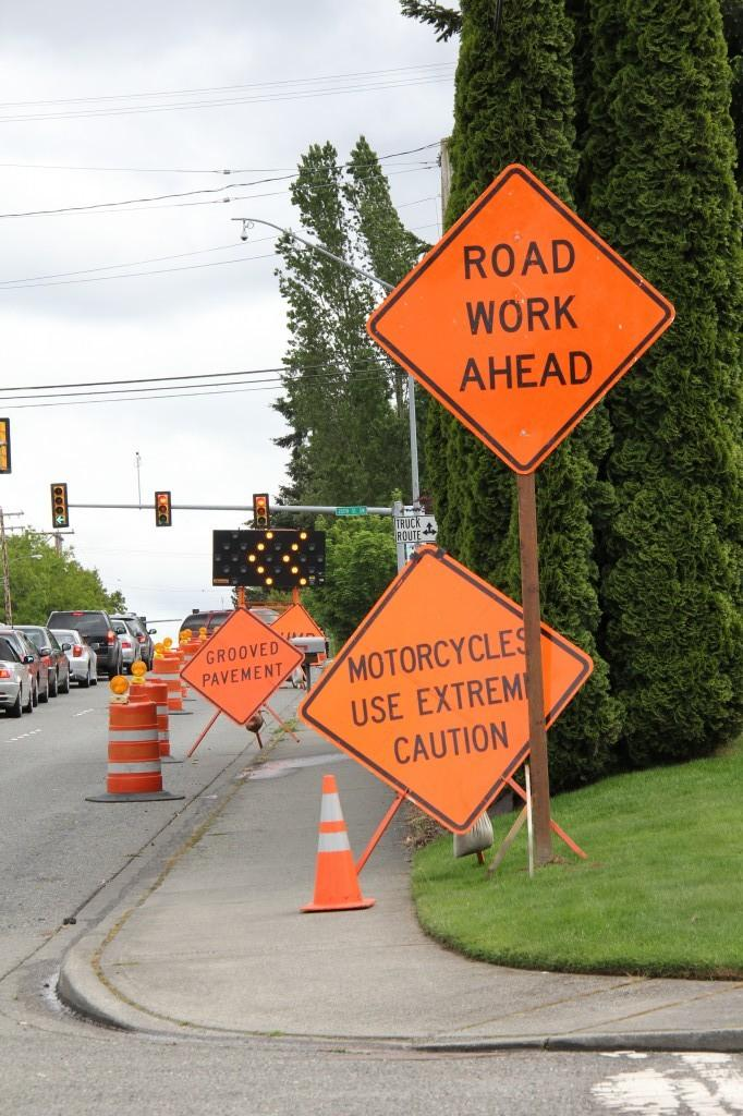 The+construction+at+the+intersection+of+212th+and+44th+has+caused+problems+for+drivers+since+April+23.+