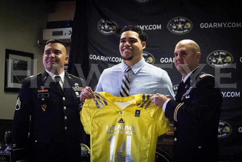 Downs+was+presented+with+his+U.S.+Army+All-American+Bowl+jersey+on+Friday%2C+Oct.+11.