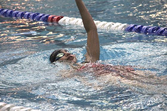 Women's swim comes up short against Mariner