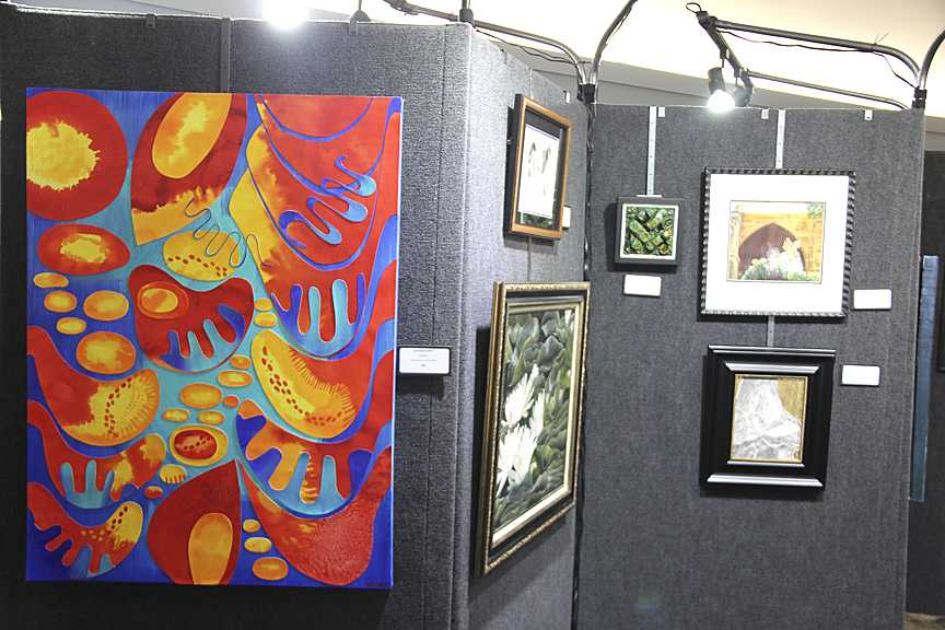 Art+show+draws+huge+crowd