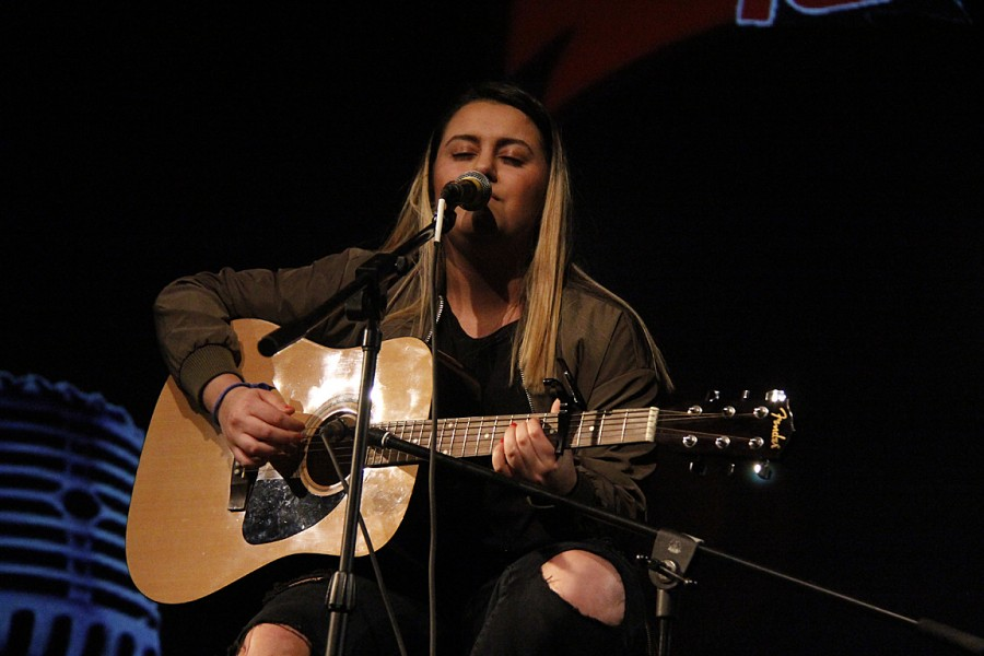 A unique song mesh was performed by Auryana Ashoori.