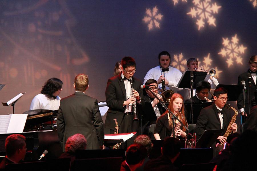 Jun Park solos on the clarinet.