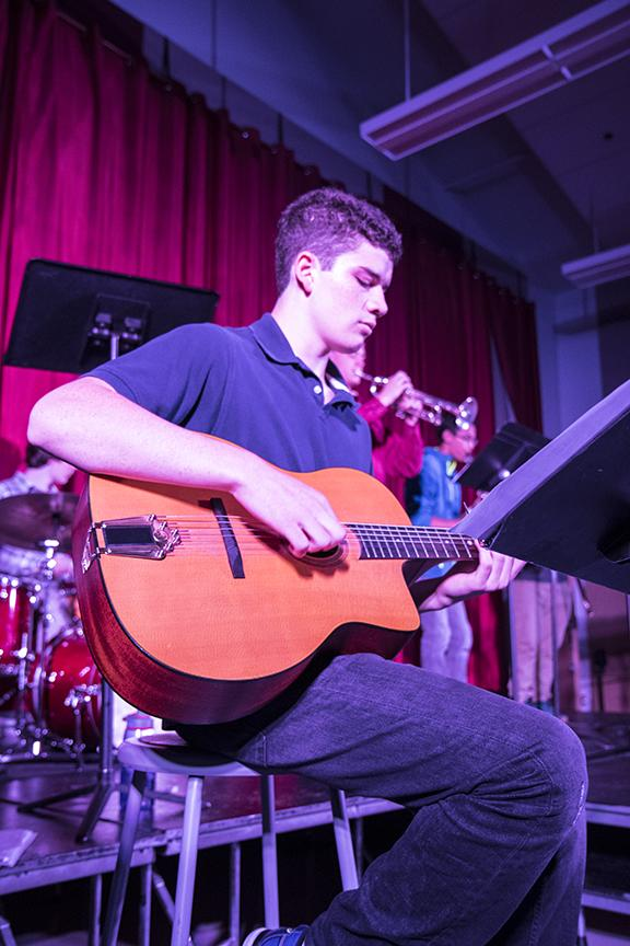 Gian Neri, jazz one guitarist performed with a small group of his peers