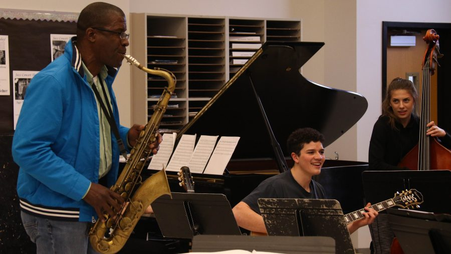 Williams takes the time to explicitly work with the rhythm section, including Gian Neri and Sophie Parsons, to adapt to the soloists.