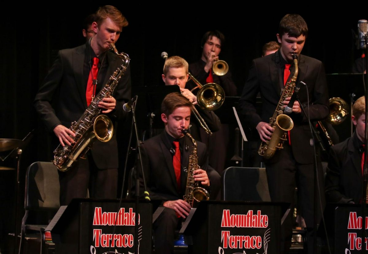 Junior Ben Leonard and sophomore Caden Hargrave perform a soli in the middle of the Jazz 1 set.