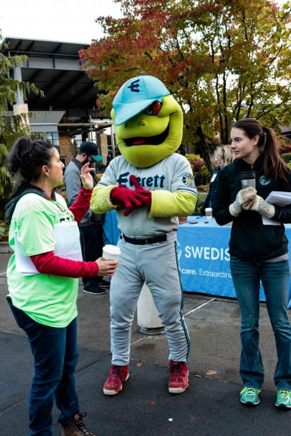 The Everett Aquasox mascot makes an appearance at the event.
