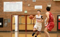 Hawks down Snohomish 61-48, improve to 4-0 on season