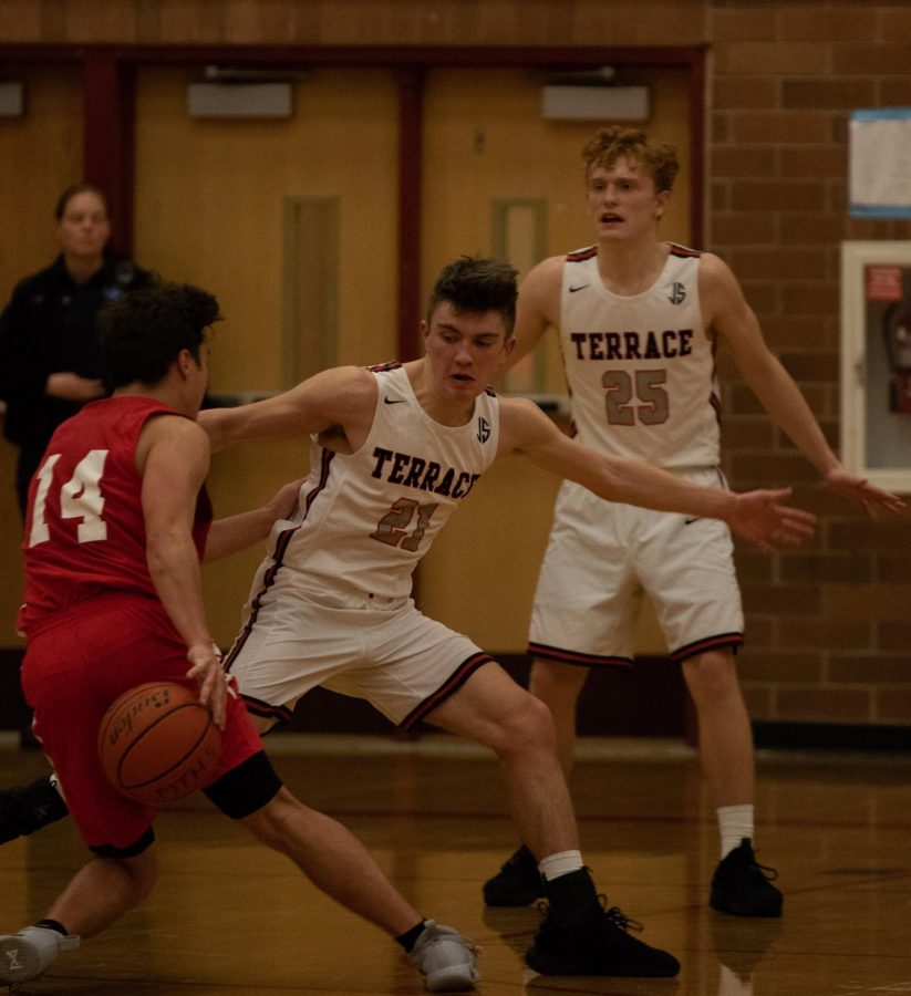 Hawks fall to Marysville-Pilchuck 53-45, fall to 8-2 overall