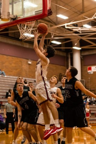 Women's Basketball falls to Meadowdale 22-52 on Friday